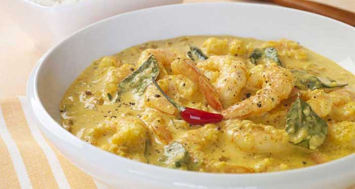 21 must have bengali dishes you need to try in this lifetime every bengali swears by this and surprisingly so do the rest of us bringing together the goodness of prawns cream and coconut milk this is a must have forumfinder Image collections