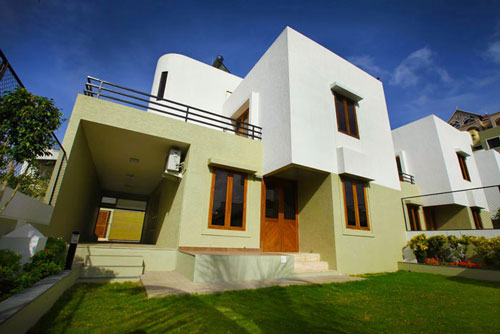 6 luxury in pune