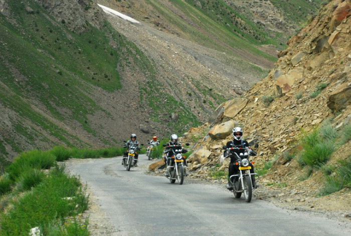 crossing-bikers-6th-point
