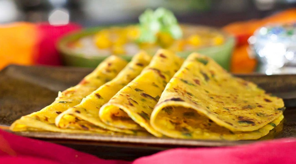 16 gujarati dishes you must try out once in your lifetime gujarati methi thepla recipe 012 2 forumfinder Images