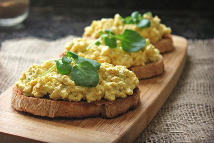1st-curried-egg-sandwich