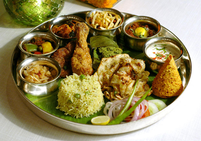 8 Wonderful Indian Eating Habits The World Is Missing