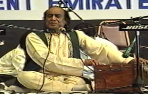 8 Pakistani Classical Singers Who Proved That Music Knows No