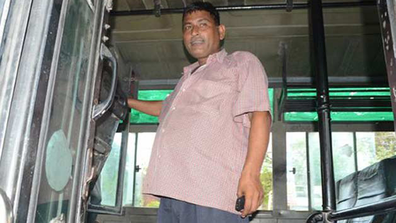This Bus Driver Saved 75 Passengers From