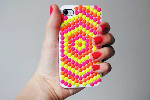 competitive price d97ff 91db2 17 Ways To Decorate Your Phone Cover And Make It Look Fantastic