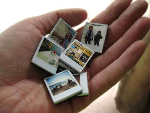 26 diy ideas to turn your photos into creative gifts tiny polaroid magnets negle Choice Image