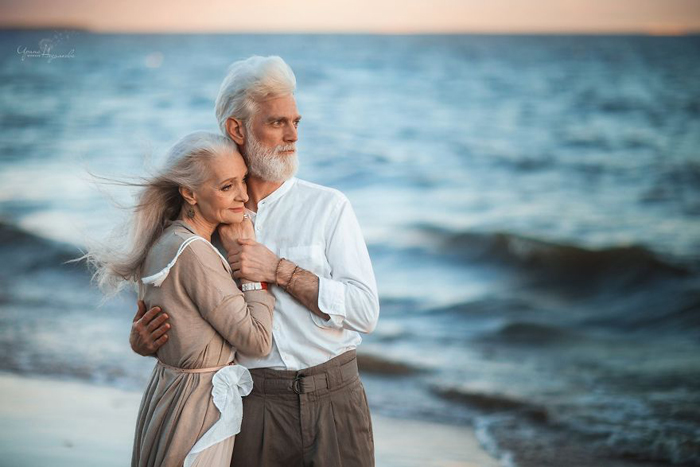Photoshoot Of An Old Couple Shows How Love And Fondness Doesn T