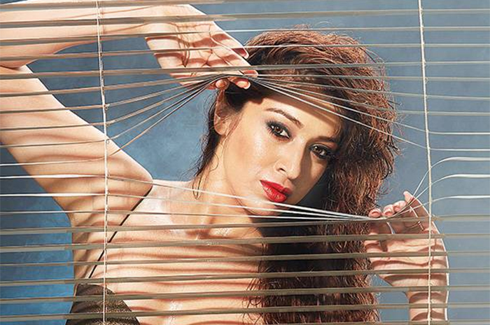 Who is MS Dhoni, asks Julie 2 actress Raai Laxmi