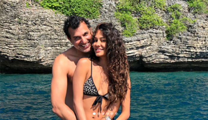 Lisa Haydon rings in first wedding anniversary with hubby on a beach