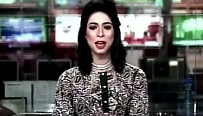 Pakistan gets it first ever transgender news anchor, Marvia creates history!