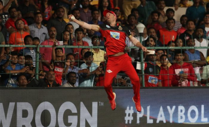 AB de Villiers Grabs A Stunning Catch In RCB Win In IPL