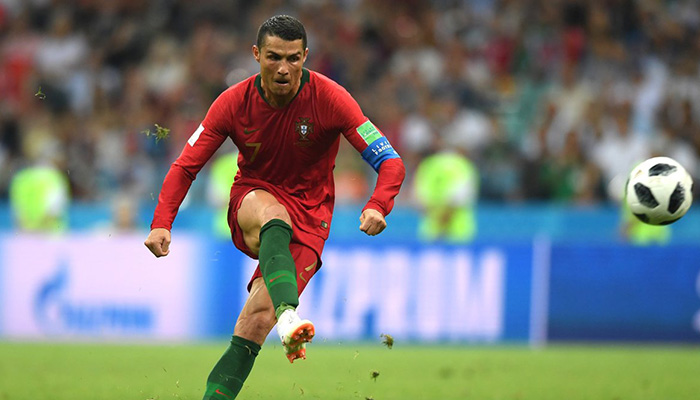 Cristiano Ronaldo moves atop Europe's international scoring list