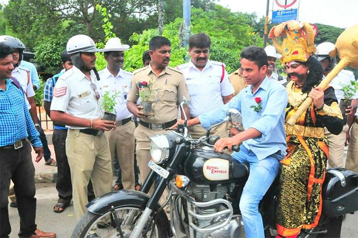 Helmet wearing rules in bangalore dating